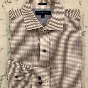 Men's Tommy Hilfiger Dress Shirt. Slim Fit.
